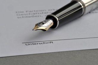 Maklervertrag unterschreiben